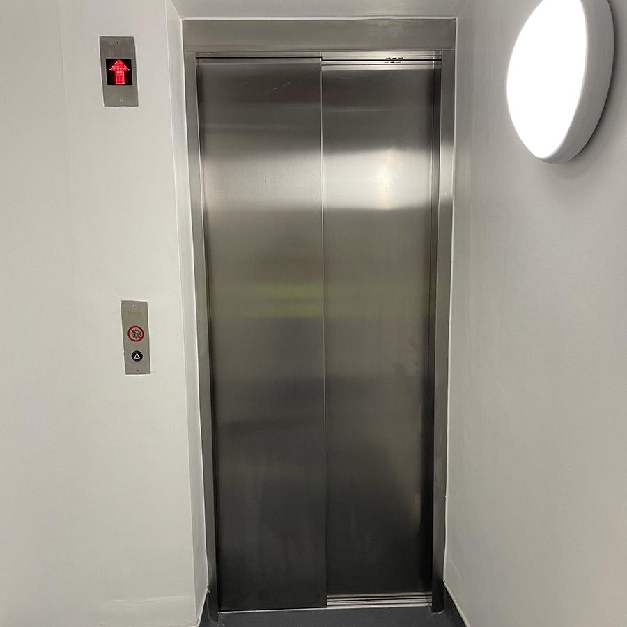 bespoke goods lift